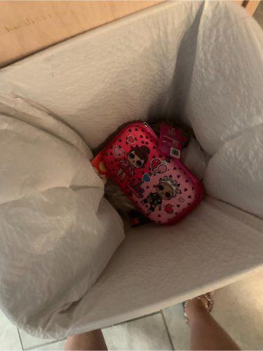 女兒把「禮物丟垃圾桶」 單親媽用「一個夾鏈袋」讓她後悔大哭