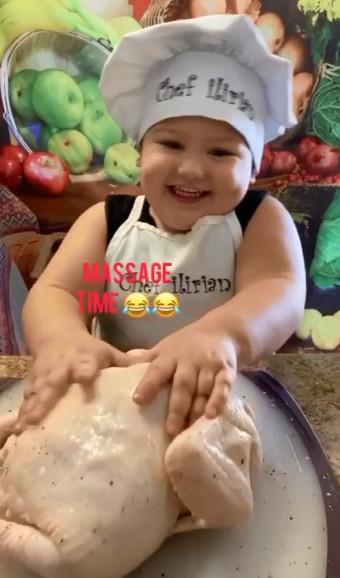 迷你廚神「2歲就會單手打蛋」 最拿手「烤雞」比餐廳還高級