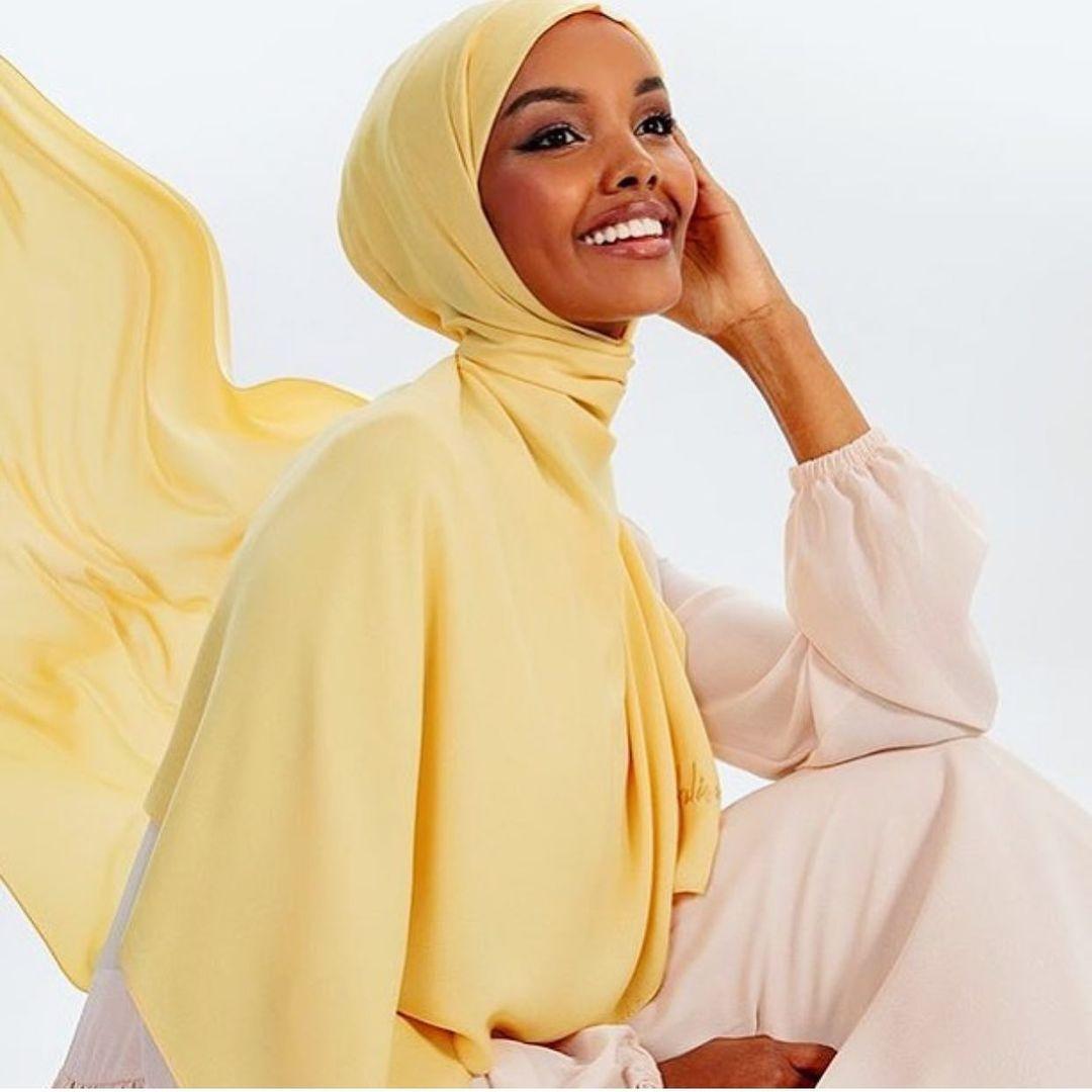 模特兒被迫「牛仔褲蓋頭」 她氣到「退出時尚界」控訴:我的宗教被侮辱!
