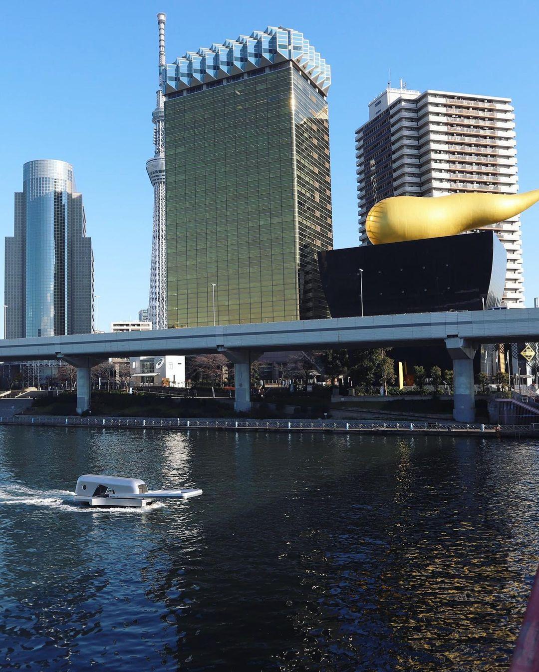 河上出現「巨大拉鍊」!水面直接被「拉開一半」 網友歪樓:JOJO替身攻擊?