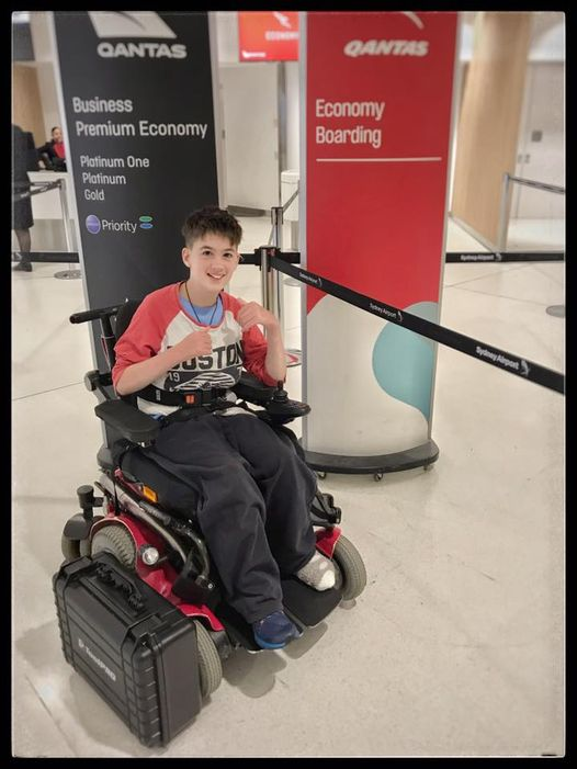 以為路人「好心幫撿水壺」 輪椅少年被騙爆哭:只還學生證就好