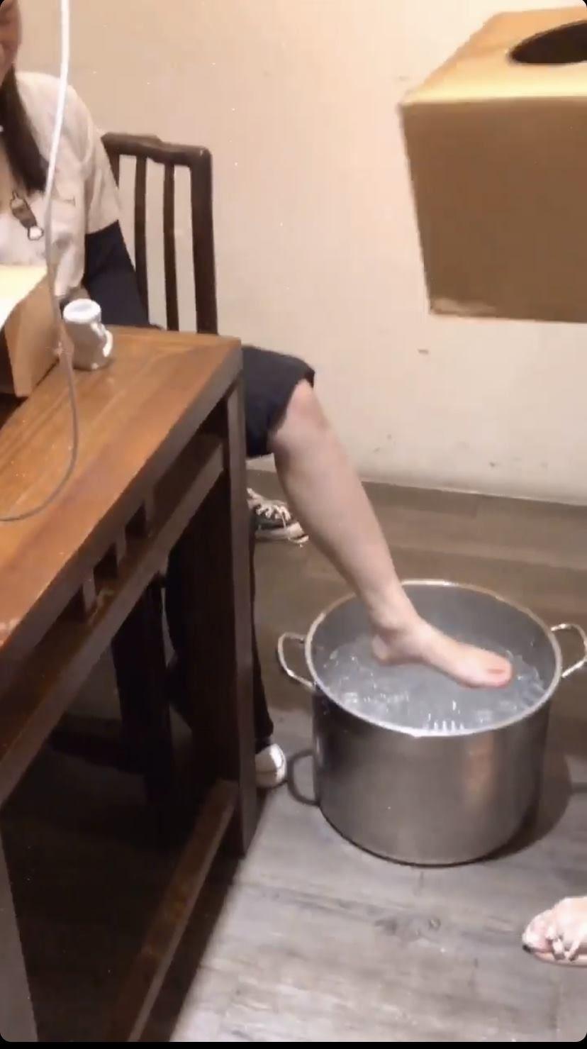 台灣連鎖餐飲員工「拿湯鍋泡腳」 春水堂出面了