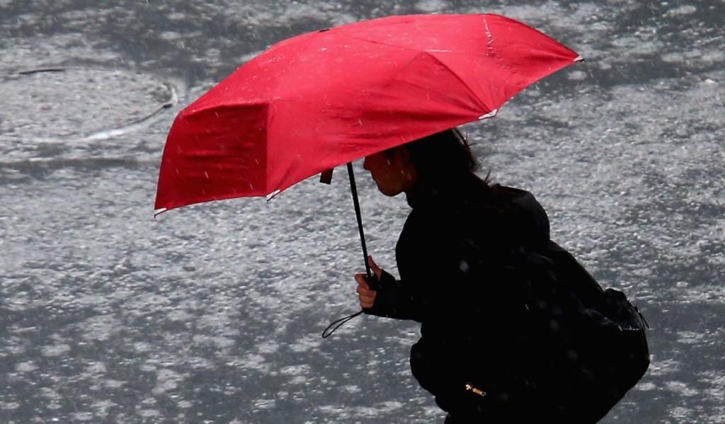 氣象預報「晴天」卻下雨!女子怒提告「獲賠3萬」
