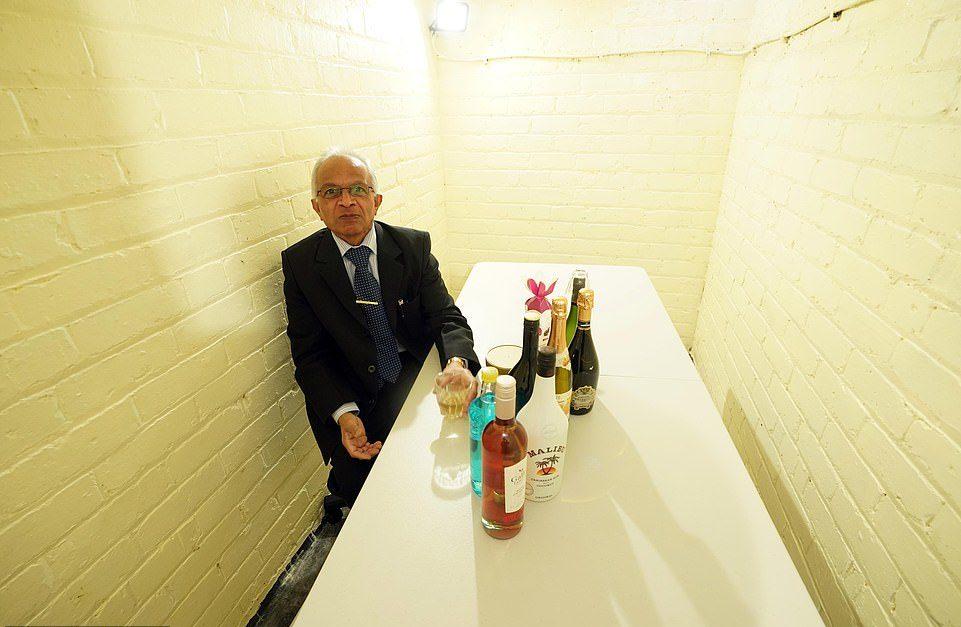 老房住40年才發現「二戰防空洞」 阿伯改造成「超潮酒吧」可容納40人!