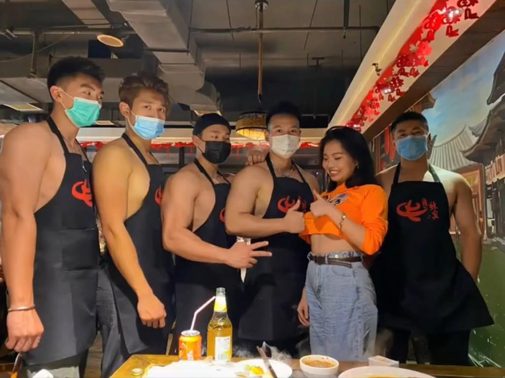 猛男火鍋「小圍裙+大肌肉」每天爆滿!大肌哥「害羞服務」:忍不住狂加湯❤