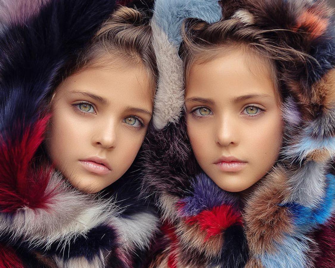 「世界最美雙胞胎」長大變更正!顏值爆表「爸媽」曝光:神基因是真的