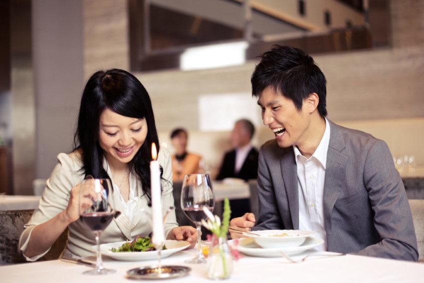 男生「初次約會不請客」會扣分嗎?研究:她們比年輕妹子更在意!
