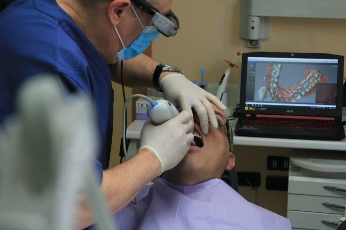 為何牙醫聒噪