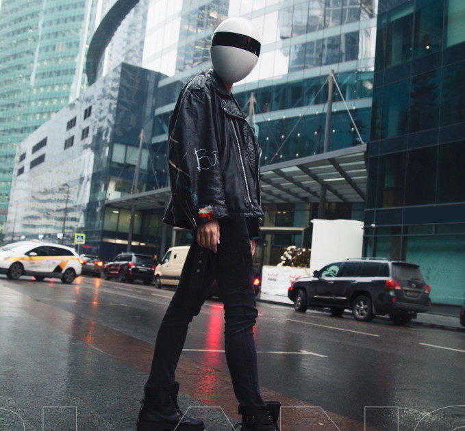 超高隱密度!世界第一款「蛋形半罩口罩」 180度防護還能「變聲」