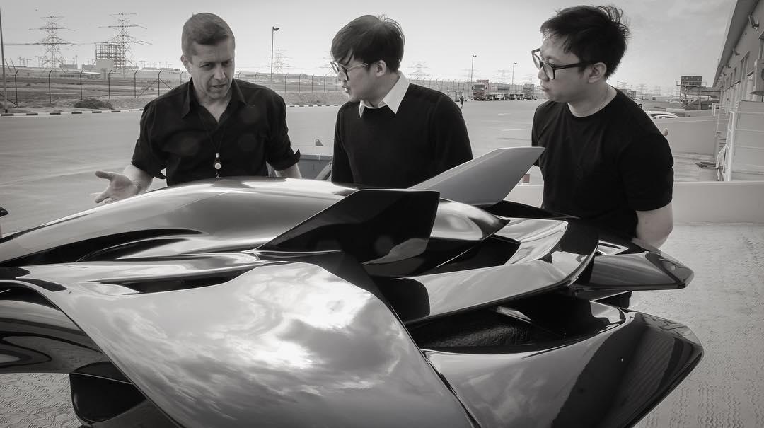 2個台灣男孩花7年研發「飛天車」 杜拜「試飛成功」網:真實的科幻電影!
