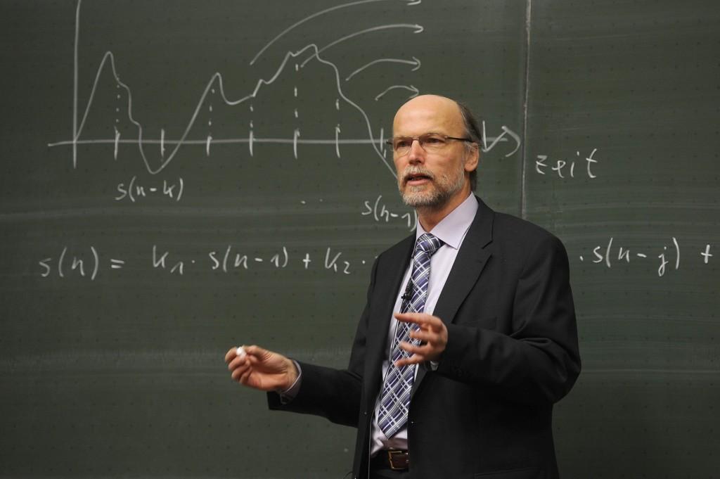 大學生離開人世1個月 仍「持續提交作業」教授嚇壞:心情很複雜!