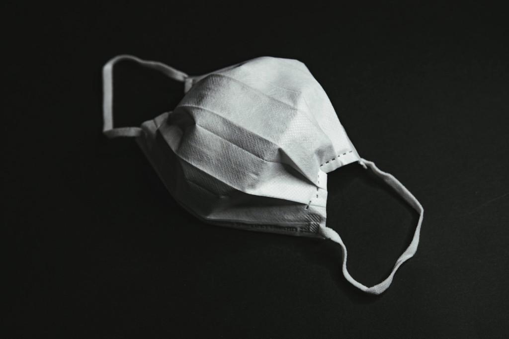 議員「被要求戴口罩」太生氣 「怒丟便便」抗議:就是不戴!