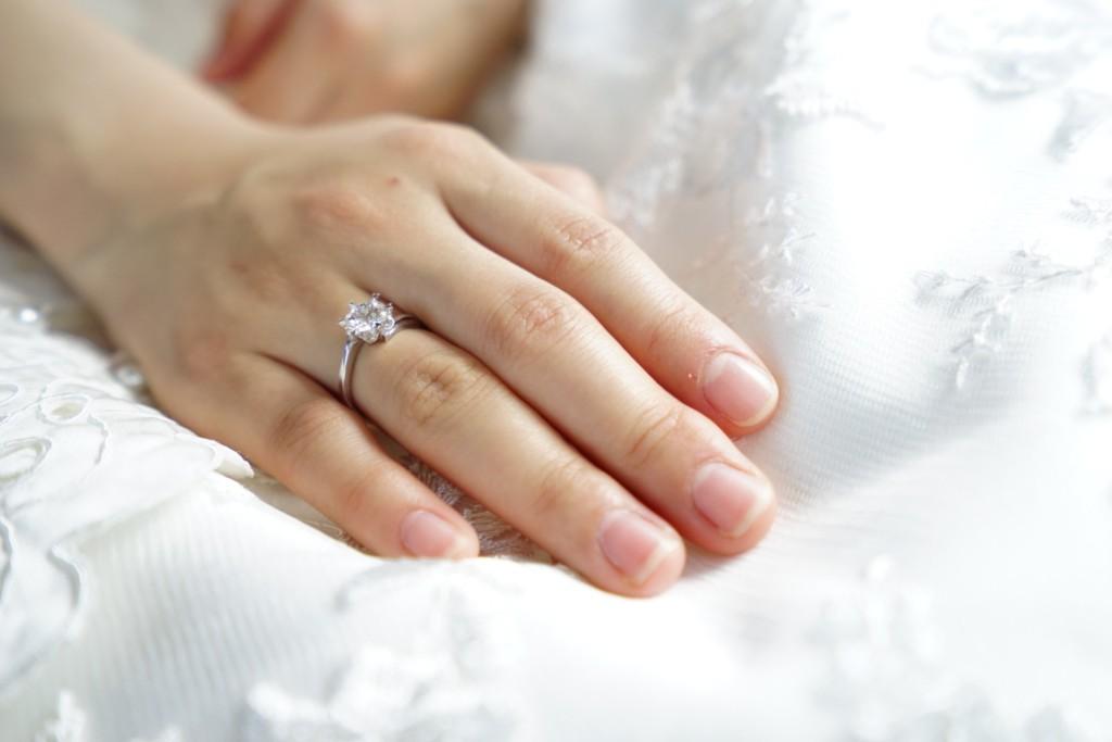 掏「11萬婚戒」浪漫求婚成功 幾天後女友退貨:我媽是珠寶商