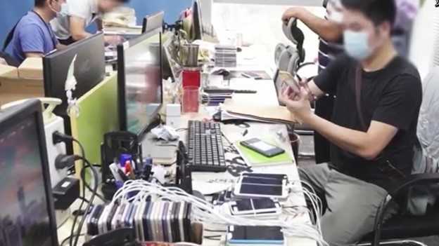 明星一夜就被毀?中國「網路水軍」只要3千元 就把假新聞「炒出5億觀看量」