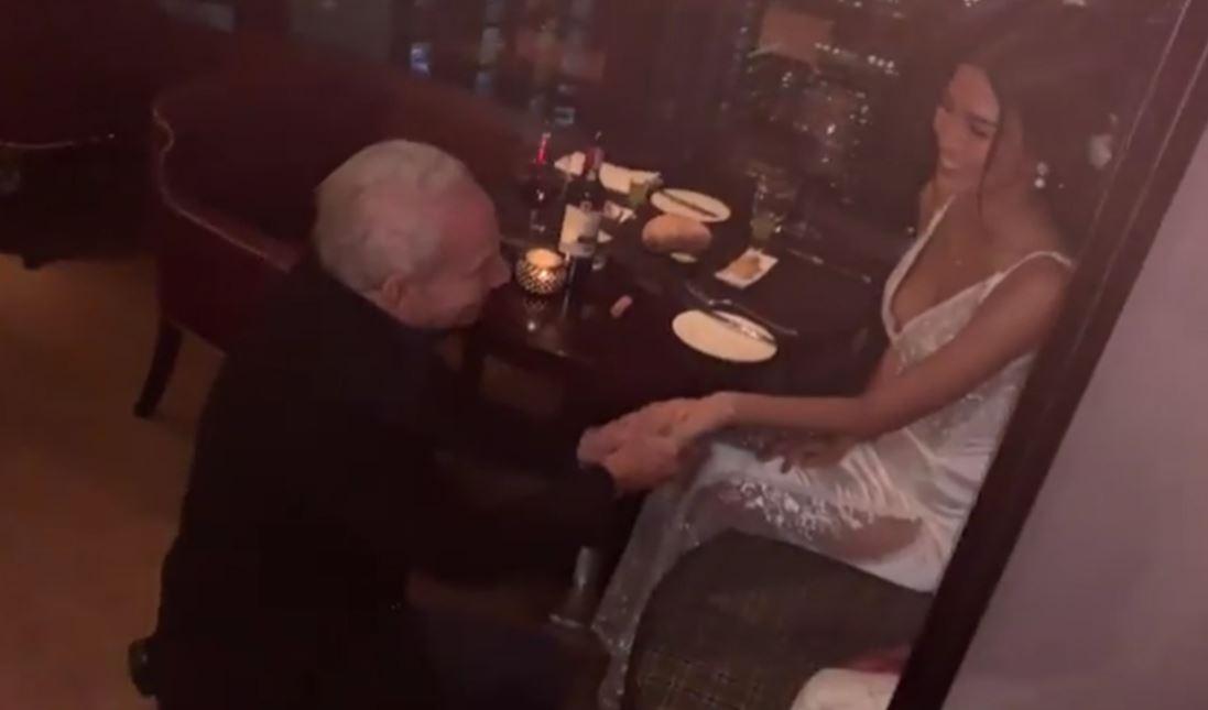 26歲女嫁72歲老翁 網看身家狂酸...她一句話打臉:誰想跟魯蛇一起?