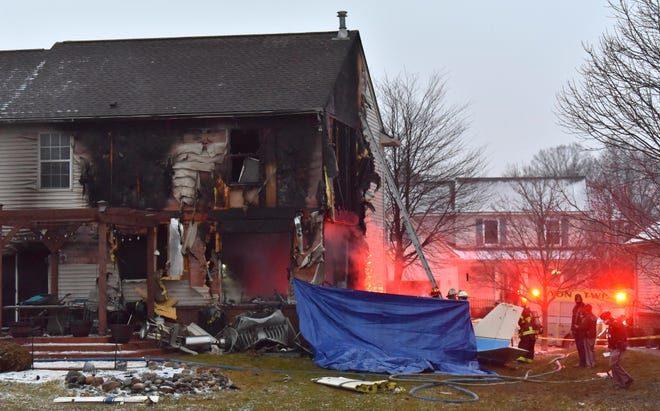 飛機墜毀民宅