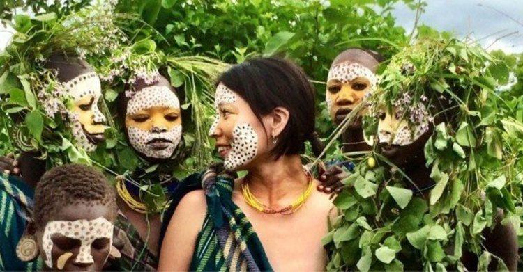 櫻花妹23歲時「獨自赴非洲」融入部落 節目跟拍畫面「衝擊日本社會」!