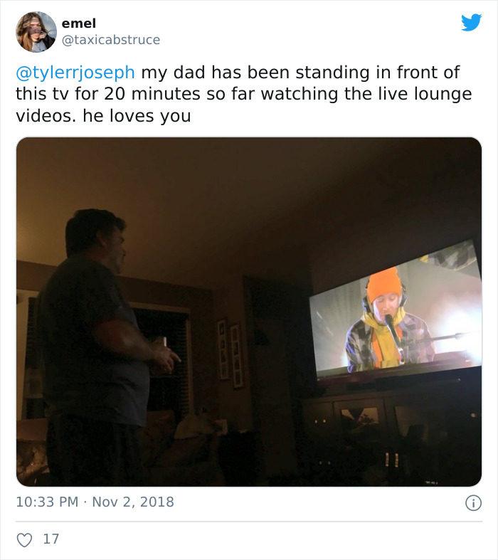 爸爸看電視姿勢
