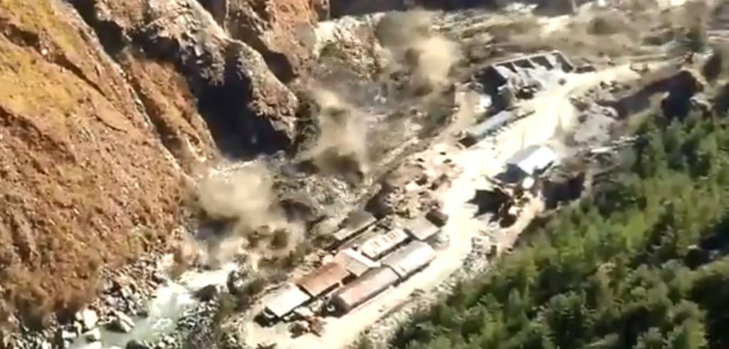 影/喜馬拉雅山冰川斷裂「洪水沖破大壩」 當局初估「恐150人罹難」