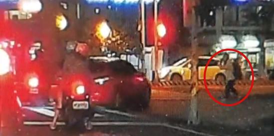 台南男遭汽車「來回衝撞不治」 斷氣前一刻求路人「打給妻子」沒接通