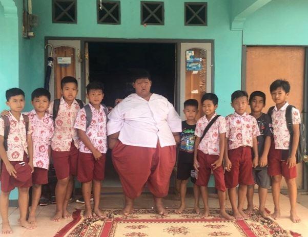 曾是世界最胖男孩 他3年狂減肥「變帥氣猛男」:朋友多了