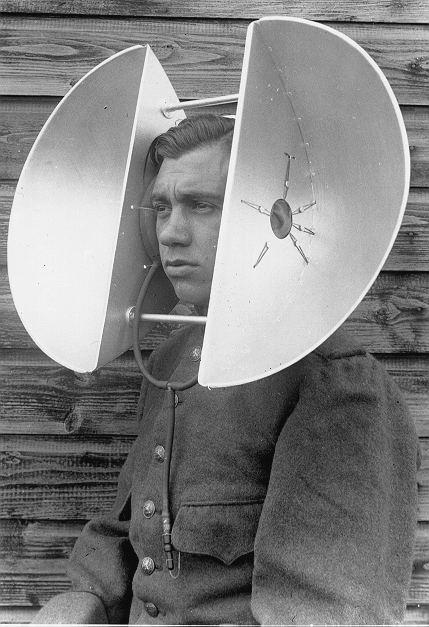 古人都怎樣「偵測敵機」?一戰黑科技「人型順風耳」成實戰關鍵