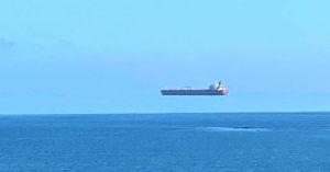 鬼船出現了?巨大貨輪「飄空中」超驚悚 專家出面解答了