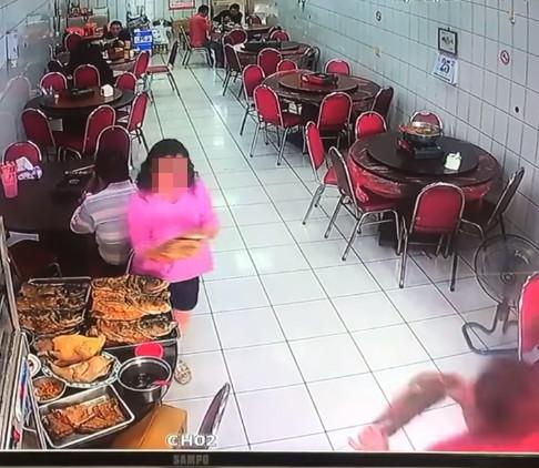 嘉義砂鍋魚頭老店被指「點800算950」 店家怒Po影片「打臉女客人」