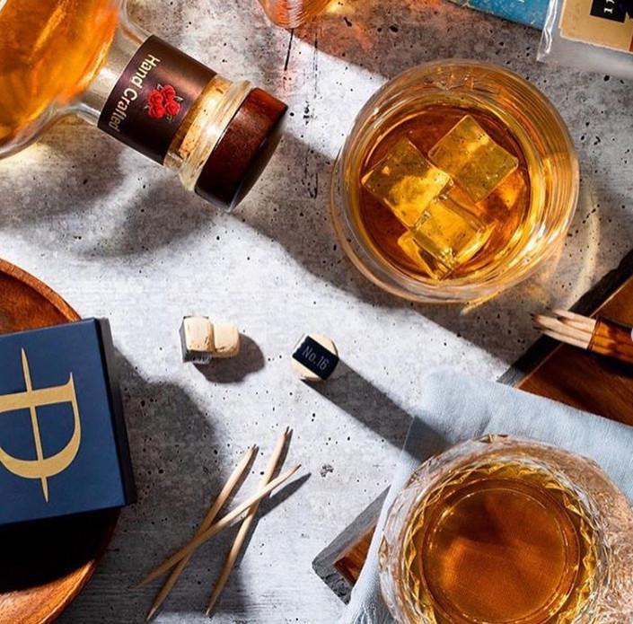 吃完飯最愛「咬牙籤」?新發明「威士忌注入牙籤」 滿嘴酒香「像叼口香糖」