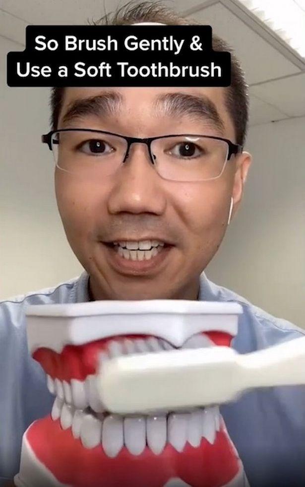 牙齒「越刷越黃」回不去?牙醫揭「牙齒變黃」跟力度有關 網驚:一直做錯了