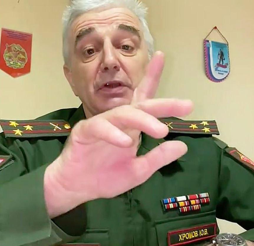「渣男友劈腿」可以交給軍方!俄上校:徵入伍,訓練他們當「真正男人」
