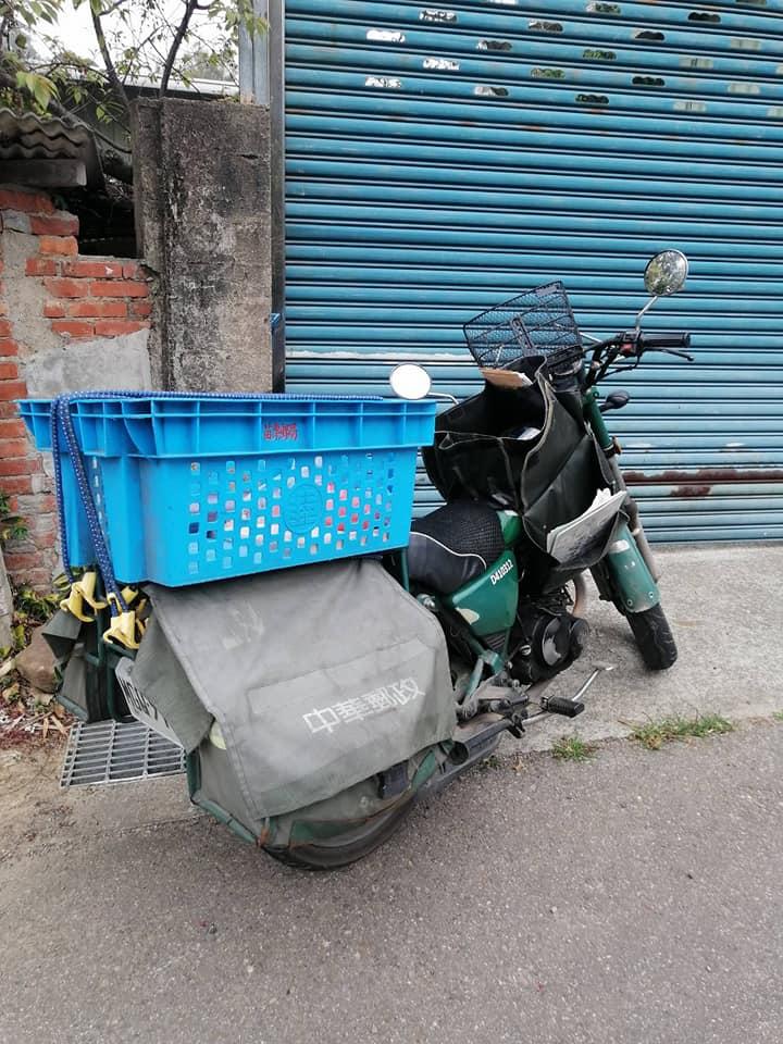 幫90歲阿嬤推「回收車上坡2公里」 苗栗「最暖郵差」網哭:台灣最美就是人
