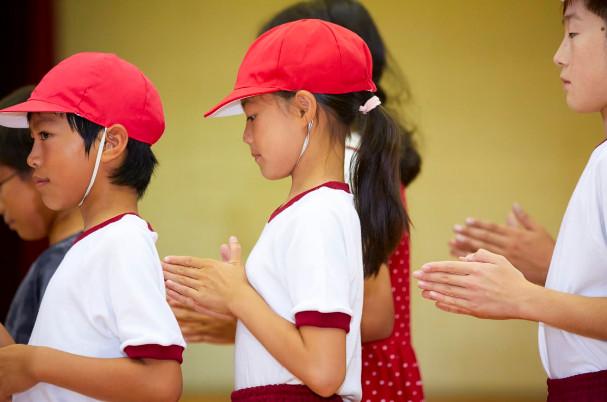 小六女遭要求「脫內衣上體育課」 男老師親檢查...父母怒:已發育了