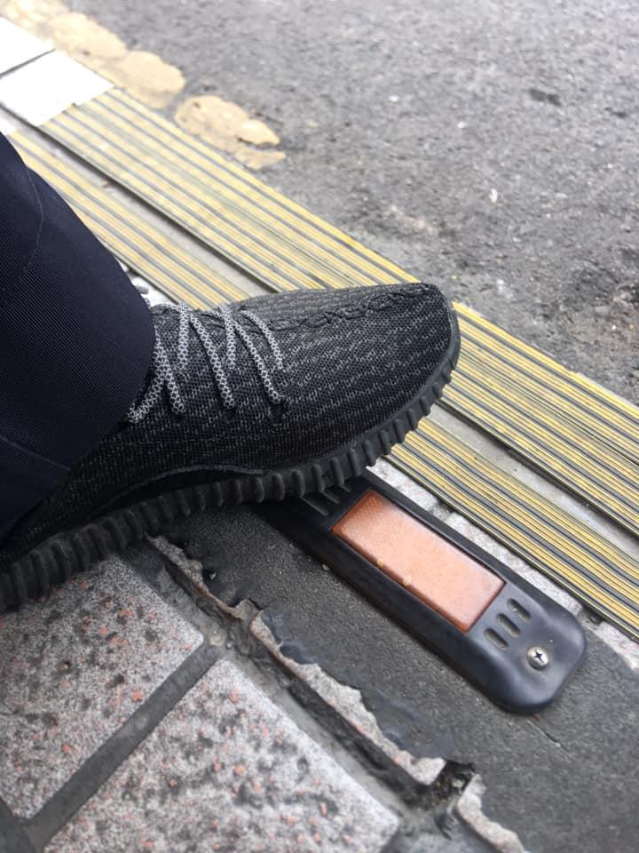 警衛伯「上萬潮鞋當拖鞋穿」 她一問「上班為賺油錢」網嘆:火雲邪神開賓士