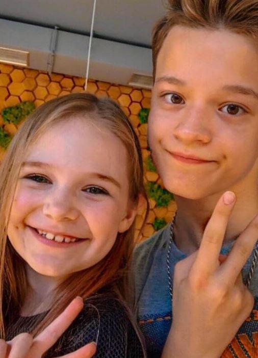 網友全怒!8歲女直播「跟男友滾床」 媽側拍鼓勵「發IG吸粉」:捧紅當網美