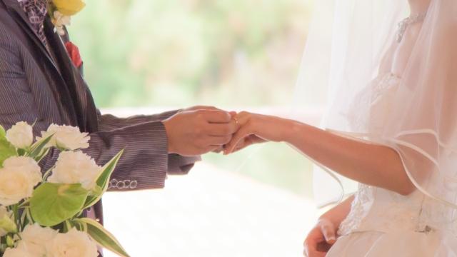 男友收入6萬太少!她細算「沒10萬不敢結婚」:真的會怕