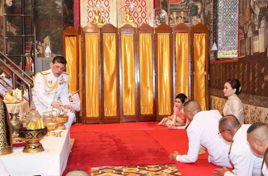 泰版甄嬛傳宮鬥...王室罕見公開「貴妃跪王后」 網曝證據:她贏了