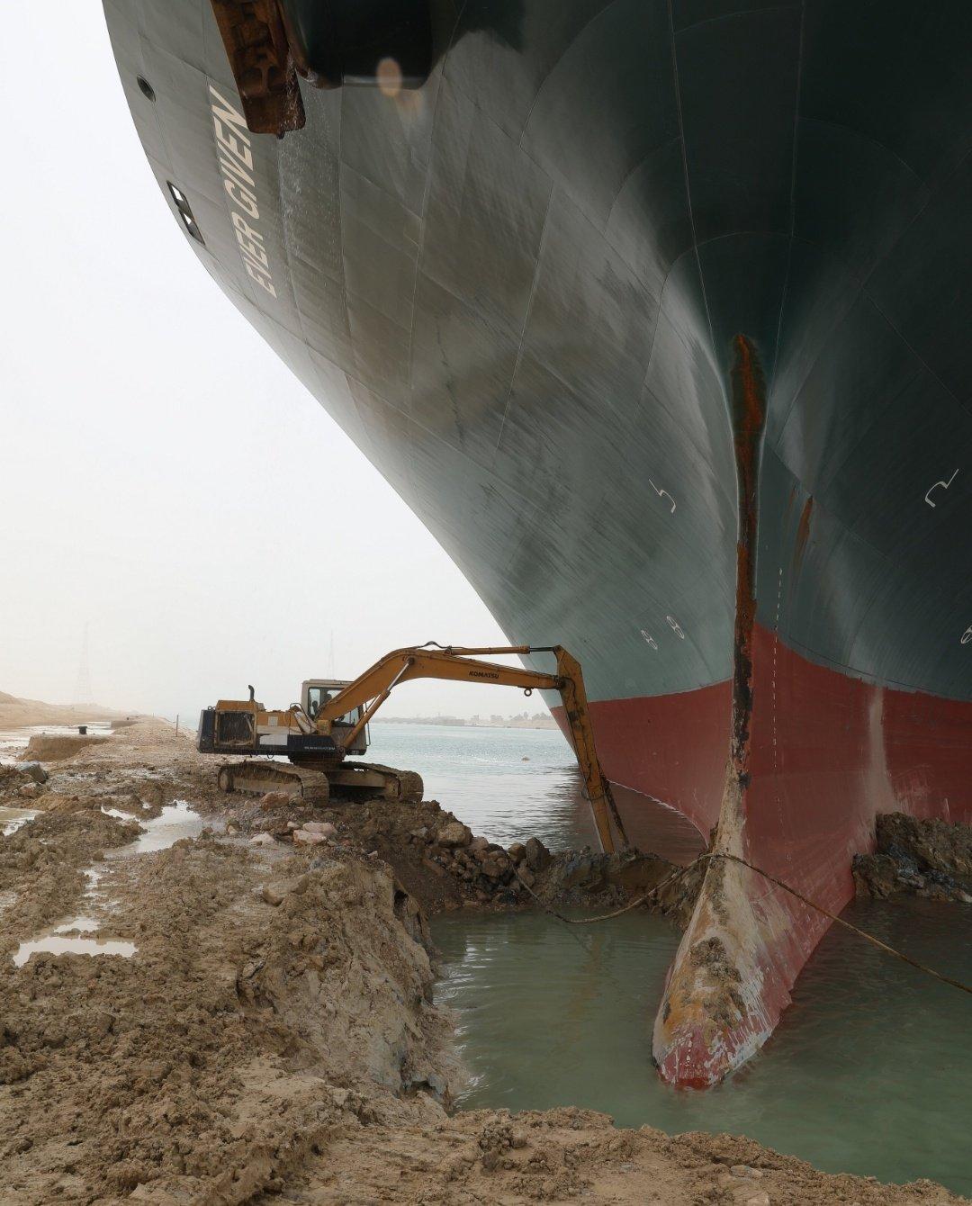 長賜號浮起!司機爆料「老闆說只是挖點土」 一到場400m船:被騙QQ