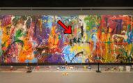 以為互動藝術!路人經過「即興一畫」毀千萬名畫 遭逮喊冤:牆上有塗鴉,地上擺畫筆