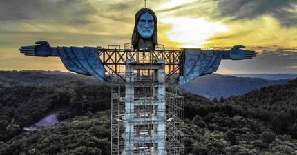 世界最巨大的耶穌!身體內置「升降機」讓信徒登上40公尺