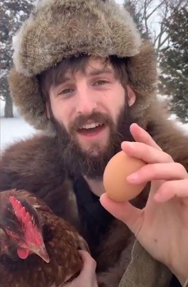 我們「擺雞蛋方式」一直錯了?農夫拍片解釋:想新鮮要「上下顛倒」