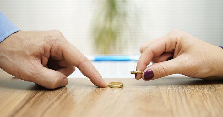 看到蟑螂就要搬家!妻不願吃藥「3年換18間房」 丈夫怒離婚
