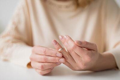 「自己倒入體內」才懷孕!人妻受夠禁慾15年:想離婚了
