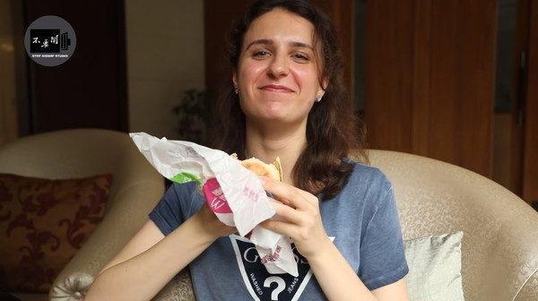 烏克蘭妹「第一次去台灣麥當勞」嚇到 驚呼「哪有這種服務?」