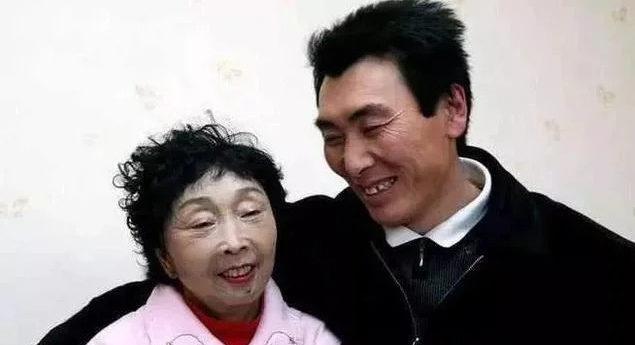 58歲阿嬤「嫁26歲鮮肉夫」 為愛「整型成30幾歲」結局令人唏噓