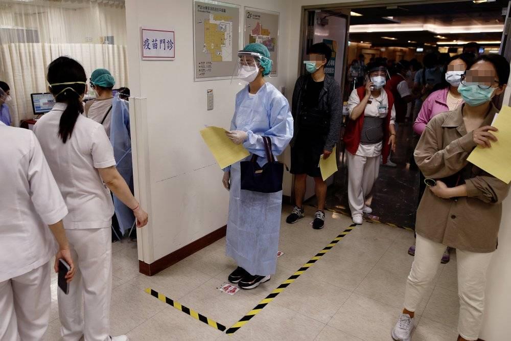 台灣「最強防疫」為何破功?《時代雜誌》:虛假安逸感