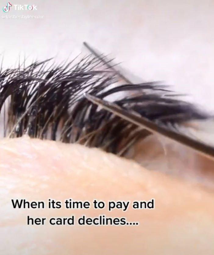 信用卡刷失敗!美睫師怒把客人「睫毛全剪光」