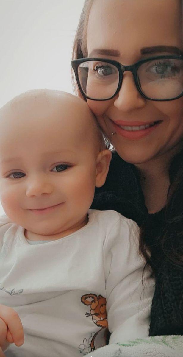 寶寶上顎有洞!母嚇壞衝醫院...護理師伸手一勾尷尬了