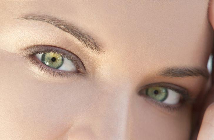 為何人眼不是黑色