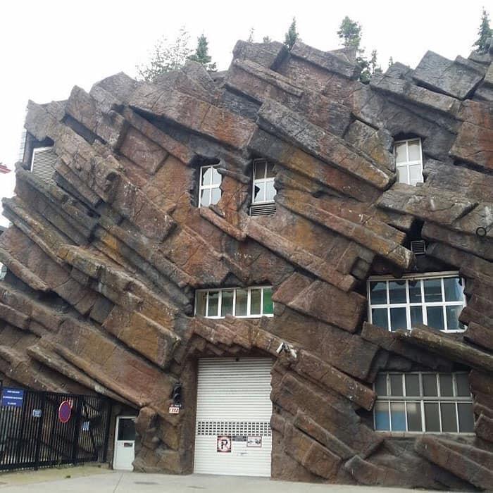 26棟路過一定不敢進去「超失控建築」 能住「馬桶屋」已是人生勝利組
